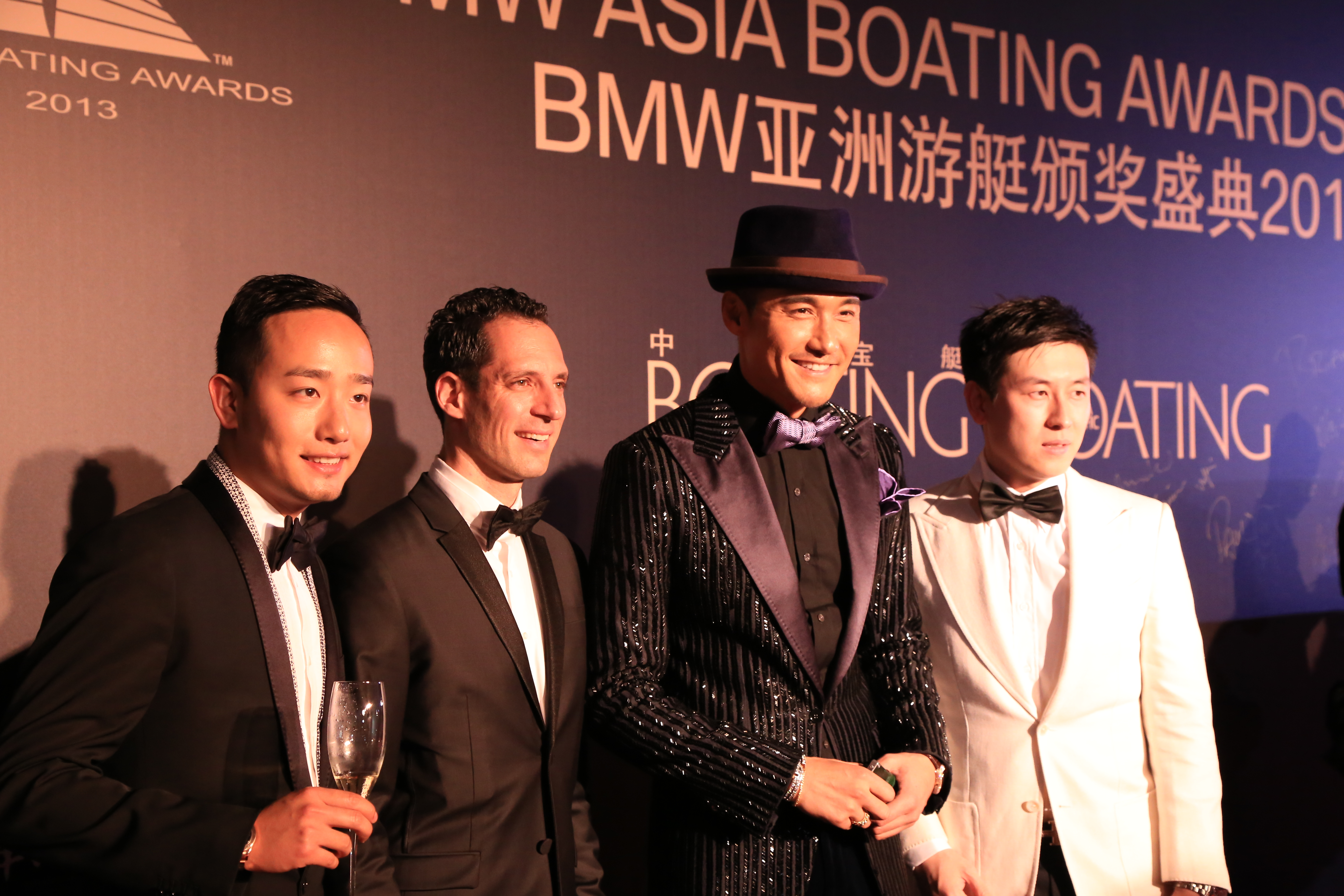 Taiwanee actor Hu Bing with event organisers